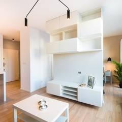 Mieszkanko dla dwojga: styl , w kategorii Salon zaprojektowany przez Perfect Space