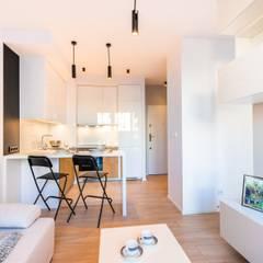 Mieszkanko dla dwojga Minimalistyczny salon od Perfect Space Minimalistyczny