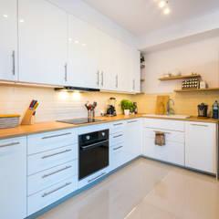 Siedliskowe klimaty Rustykalna kuchnia od Perfect Space Rustykalny