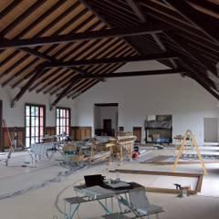 اتاق کار و درس توسطMeyerfeldt Architektur & Innenarchitektur im Raum Hamburg, راستیک (روستایی)