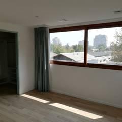 Bedroom by Remodelaciones Santiago Eirl, Mediterranean