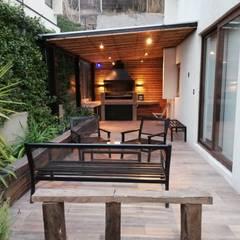 Terrazas de estilo  por Remodelaciones Santiago Eirl