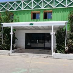 Bodegas de estilo  por Remodelaciones Santiago Eirl , Industrial