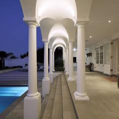 Klassische Häuser von KMMA architects Klassisch