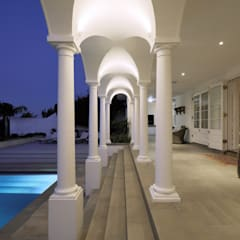 House Oranjezicht:  Houses by KMMA architects, Classic