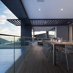 Balcony by KMMA architects