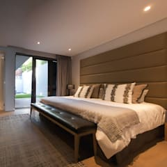 House Ocean View 331 Fresnaye:  Bedroom by KMMA architects