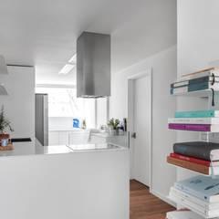 평창동 24PY 아파트: 스튜디오 5mm의  주방,모던