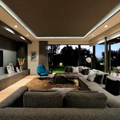 House La Croix Fresnaye:  Living room by KMMA architects,