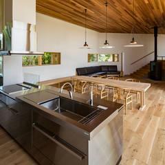 高根沢・セブンハウス: 中山大輔建築設計事務所/Nakayama Architectsが手掛けたシステムキッチンです。