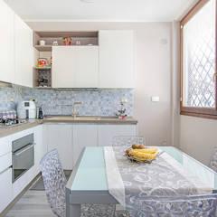 ห้องครัว โดย Facile Ristrutturare, โมเดิร์น