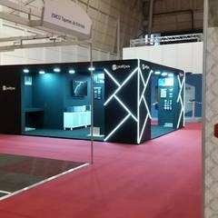 Stand Profilpas-Tektónica 2019: Lojas e espaços comerciais  por Volo Vinis,Moderno