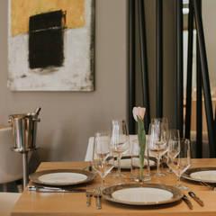Kamienica nr 6 : styl , w kategorii Miejsca na imprezy zaprojektowany przez Sylwia Śliwińska Design