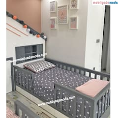 MOBİLYADA MODA  – İkiz Bebek Montessori Odası :  tarz Kız çocuk yatak odası