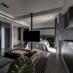 竹北-公園一號:  廚房 by 齊家。空間設計