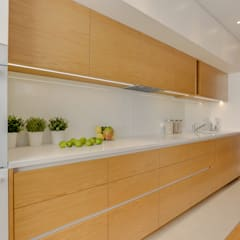 Projekt przytulnego mieszkania na Bemowie.: styl , w kategorii Kuchnia na wymiar zaprojektowany przez MKdezere projektowanie wnętrz