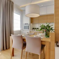 Projekt przytulnego mieszkania na Bemowie.: styl , w kategorii Jadalnia zaprojektowany przez MKdezere projektowanie wnętrz