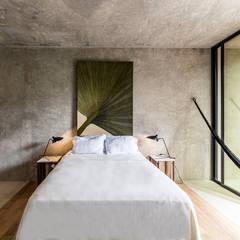 Casa   Kaleidos: Recámaras pequeñas de estilo  por Taller Estilo Arquitectura
