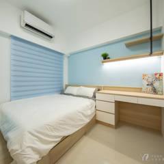 WANG House‧捷運世代:  嬰兒房/兒童房 by 元作空間設計