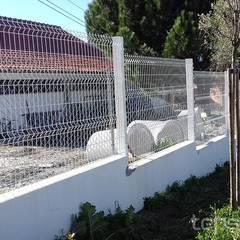Projecto e Construção de Cobertura de Vidro e Vedação - Gouveia por Tepsol, Lda Clássico Metal