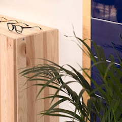 Clinics by CARMITA DESIGN diseño de interiores en Madrid, Scandinavian Wood Wood effect