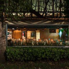 Modern gastronomy by Onno Arquitectos Modern