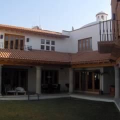 Casa Ventura : Casas multifamiliares de estilo  por A+P Arquitectos, El arte de crear espacios