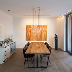 Neubau Einfamilienhaus K: Esszimmer Von ARCHITEKTEN BRÜNING REIN