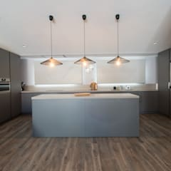 Built-in kitchens by mesquearquitectura, Scandinavian Engineered Wood Transparent