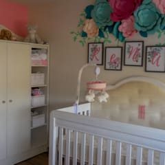 Baby room by Espacio M, Classic Wood Wood effect