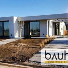 Casa Contemporanea en Horizontes Al Sur Canning : Casas unifamiliares de estilo  por BAUHAUS ARGENTINA,Moderno Hormigón