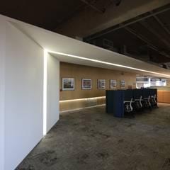 Corporativo Urrea: Edificios de Oficinas de estilo  por FM estudio de arquitectura