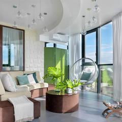 Balcón de estilo  por TaupeHOME Интерьерная мастерская