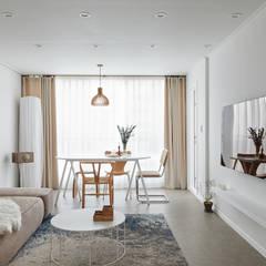 북유럽 풍 신혼집 인테리어 공간, 22평 작은 평수의 아파트 인테리어: BK Design Studio의  거실