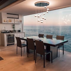 :  Dining room by Navin Ramalingam
