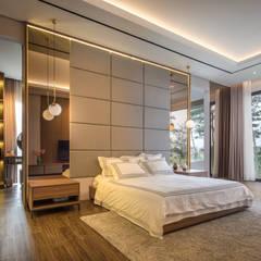 IL House: Kamar Tidur oleh Rakta Studio,