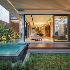 IL House:  Rumah by Rakta Studio