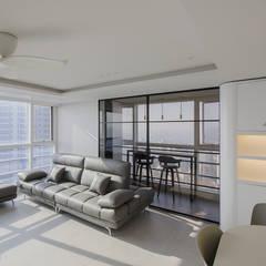 동탄인테리어 메타폴리스 주상복합 50평대 아파트인테리어 by.n디자인인테리어: N디자인 인테리어의  발코니,모던