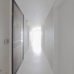 동탄인테리어 메타폴리스 40평대 주상복합 아파트인테리어 by.n디자인인테리어 : N디자인 인테리어의  복도 & 현관