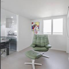 동탄2 더샵 레이크 에듀타운 포스코3차 아파트 인테리어 by.n디자인인테리어 : N디자인 인테리어의  방