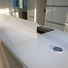 부천리첸시아인테리어: 디자인모리의  주방 설비