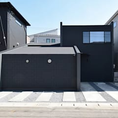 Wooden houses by CIRCLE, Industrial Slate