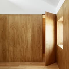 Pintu oleh arriba architects, Mediteran Kayu Wood effect