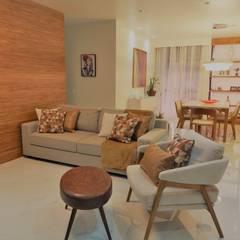 Salas de estilo moderno de Izabella Biancardine Interiores Moderno