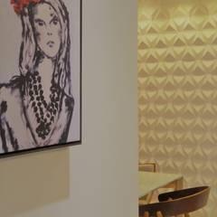 Pasillos, vestíbulos y escaleras de estilo moderno de Izabella Biancardine Interiores Moderno