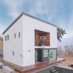 공간제작소 30py 형 대 목조주택: 공간제작소(주)의  조립식 주택