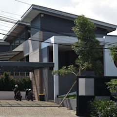 Detached home by CV Berkat Estetika