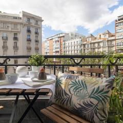 Home Staging barrio Salamanca: Balcón de estilo  de MEXID INTERIORISMO,