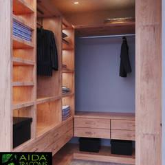 a2363ceef RESIDENCIA EN MÉRIDA YCC-W06   Vestidores y closets de estilo por AIDA  TRACONIS ARQUITECTOS