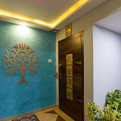 Residential Project - Bedroom:  Corridor & hallway by Taayan Designs